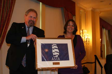Lori Crace and ASTA Chair Mike Rauworth