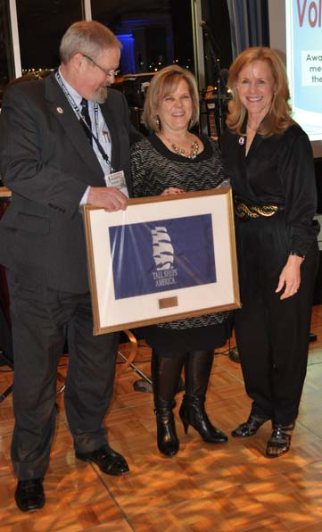 Roberta Kacenjar (center), Volunteer of the Year