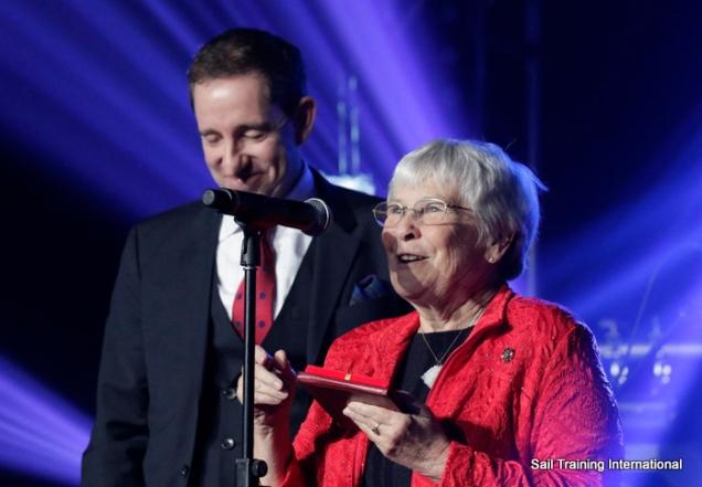 Janka Bielak awarded to Nancy Richardson. Photo Credit Sail Training International